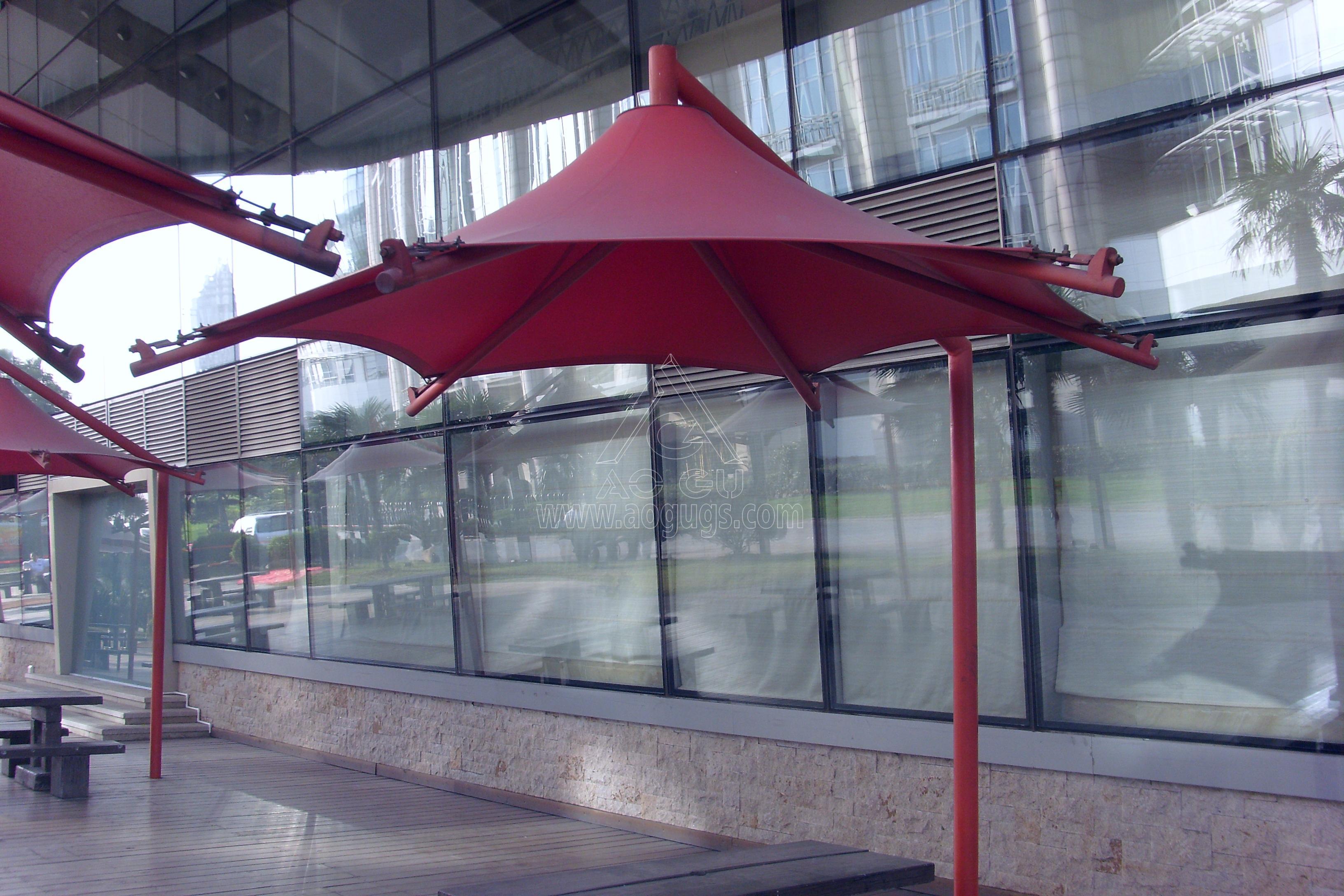 景观张拉膜结构悬臂伞