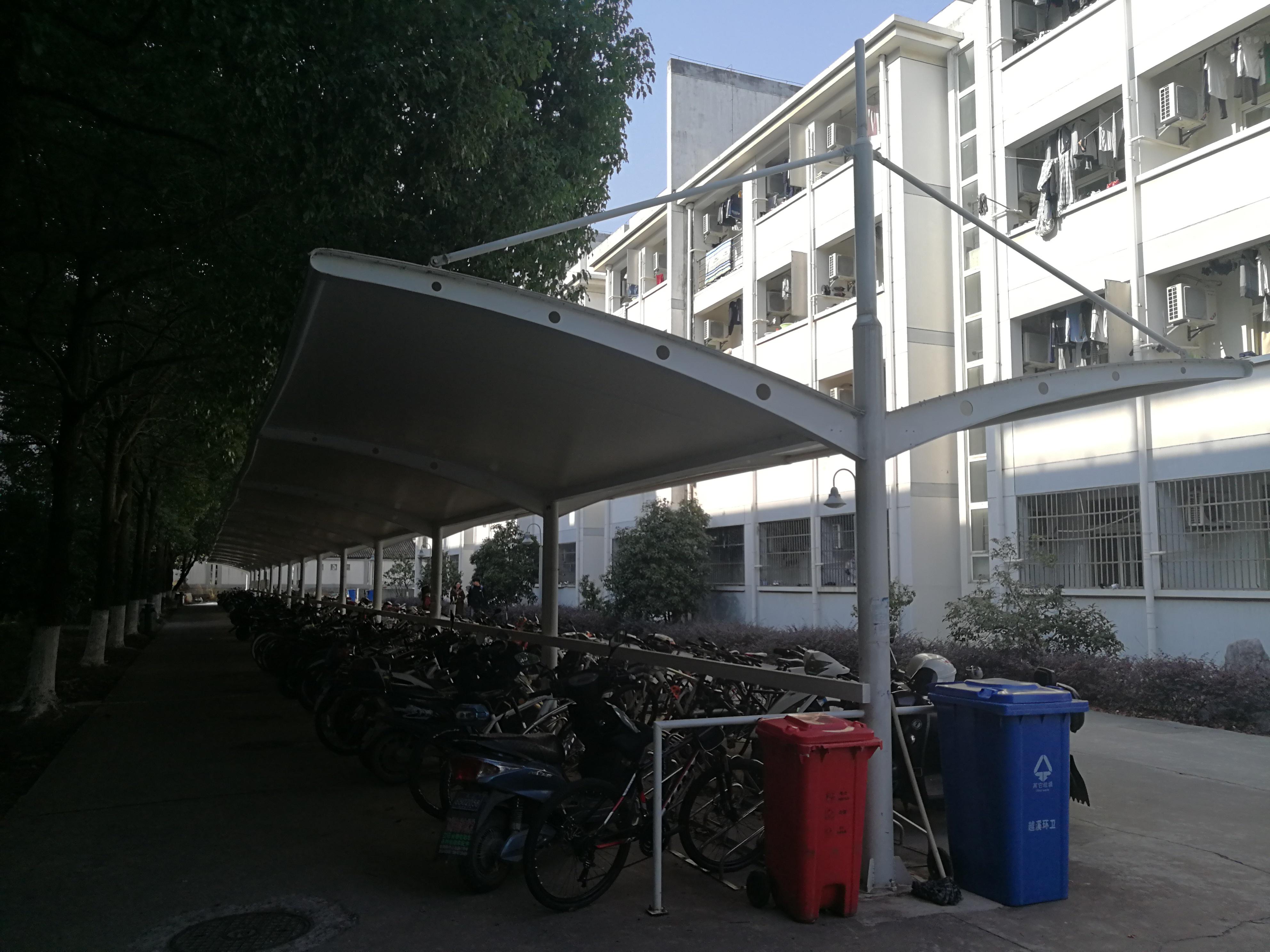 苏州工业学院 自行车棚 自行车停车棚产品演示图4