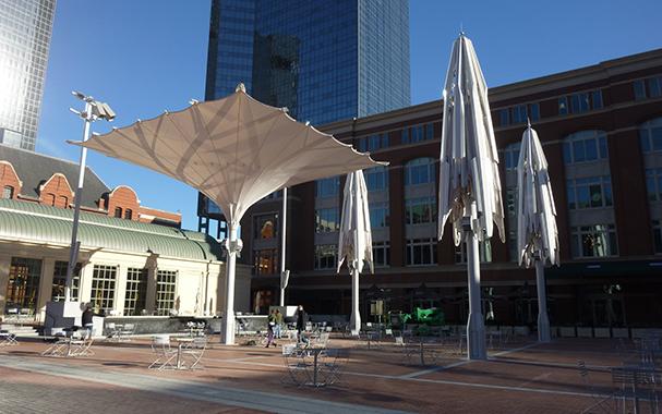 折叠开合式膜结构建筑雨伞