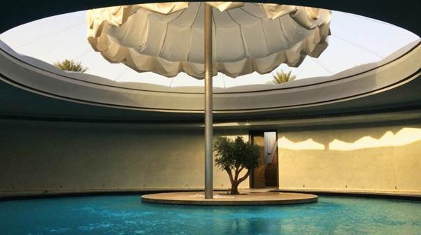 国外最大的伸缩开合式张拉膜结构建筑雨伞图片 27.jpg