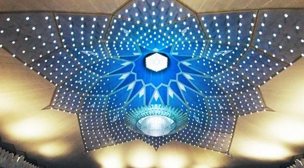 国外最大的伸缩开合式张拉膜结构建筑雨伞图片 20.jpg