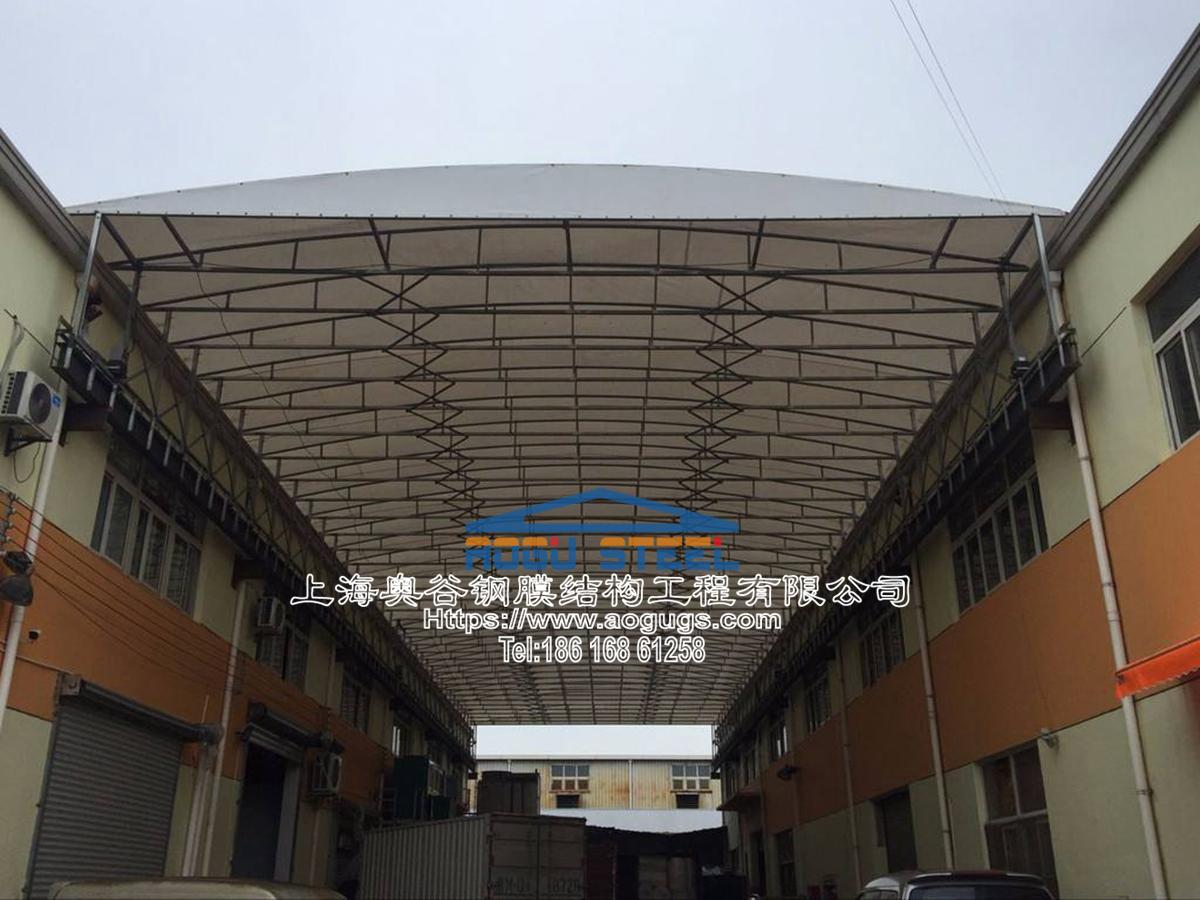 工厂电动雨篷,电动悬空伸缩雨篷,伸缩折叠雨篷,电动折叠架空顶棚雨篷该公司地方 (3).jpg